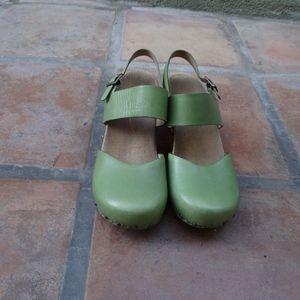 Dansko Thea Women's Clogs - Green, Size8.5 (39)